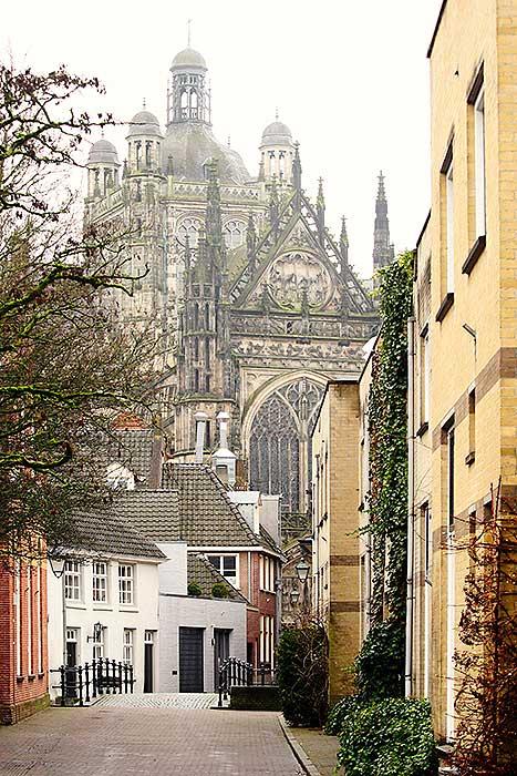 Uitkijk over de SInt Jan in Den Bosch