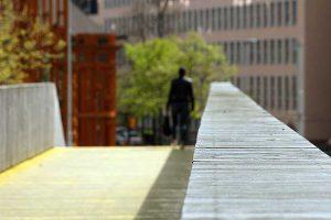 De gele brug richting Haagseveer